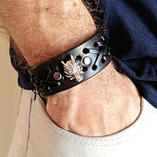 Украшения handmade. Livemaster - original item Wide leather wolf bracelet for men. Handmade.
