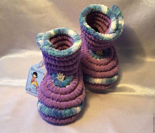 Детская обувь ручной работы. Ярмарка Мастеров - ручная работа. Купить пинетки, сапожки вязанные для дома и улицы. Handmade. Комбинированный