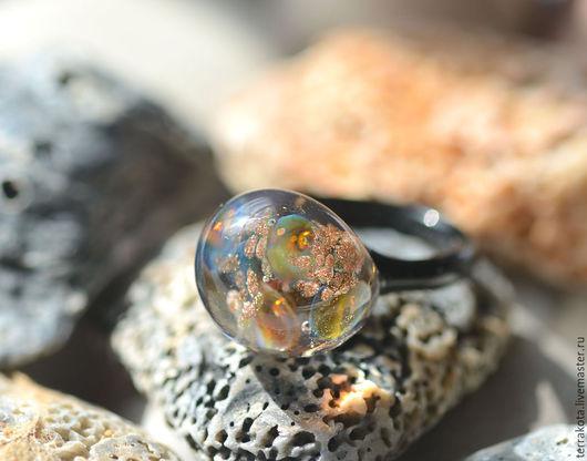 """Кольца ручной работы. Ярмарка Мастеров - ручная работа. Купить Лэмпворк кольцо """"Иллюзия"""" размер 16. Handmade. Лампворк, стекло"""