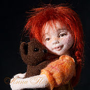 Куклы и игрушки ручной работы. Ярмарка Мастеров - ручная работа Аннушка с мишкой. Авторская войлочная кукла. Handmade.
