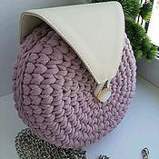 Сумка через плечо ручной работы. Ярмарка Мастеров - ручная работа Вязаная сумка из трикотажной пряжи с клапаном. Handmade.