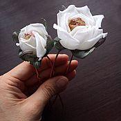 Цветы ручной работы. Ярмарка Мастеров - ручная работа Шпильки с розами Белые цветы из шелка заколки. Handmade.