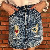 Одежда ручной работы. Ярмарка Мастеров - ручная работа Джинсовая юбка с вышивкой авторской ручной работы. Handmade.