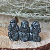 """Винтажные предметы интерьера ручной работы. Ярмарка Мастеров - ручная работа Винтажная оловянная миниатюра """"Три обезьяны"""". Handmade."""