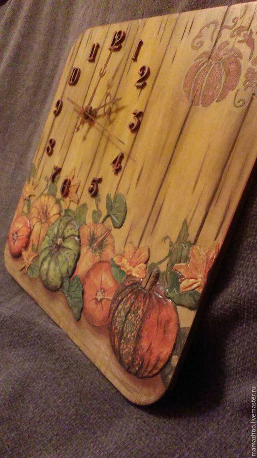 """Часы для дома ручной работы. Ярмарка Мастеров - ручная работа. Купить Часы """"Тыква"""". Handmade. Часы настенные, кухня"""