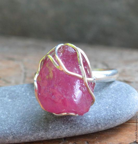 Кольца ручной работы. Ярмарка Мастеров - ручная работа. Купить Кольцо с кристаллом рубина, серебро.. Handmade. Драгоценные камни