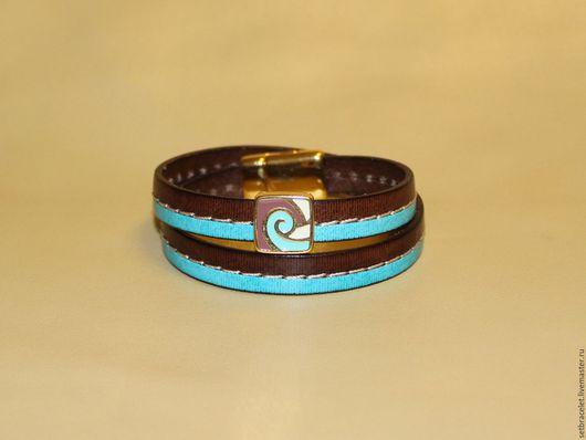 Браслеты ручной работы. Ярмарка Мастеров - ручная работа. Купить Кожаный браслет из кожи коричневой с голубым бусина эмаль. Handmade.