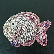 Украшения ручной работы. Ярмарка Мастеров - ручная работа Брошь - рыбка розовая. Handmade.