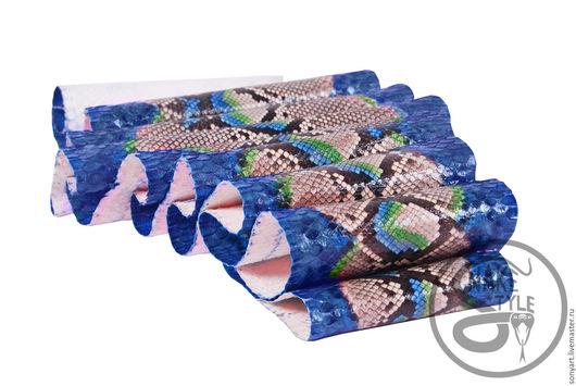 Шитье ручной работы. Ярмарка Мастеров - ручная работа. Купить Кожа питона (шкура)  радуга синяя спинка лак. Handmade.