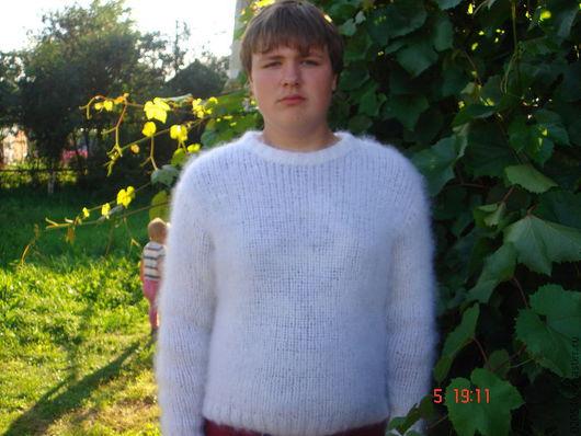 """Для мужчин, ручной работы. Ярмарка Мастеров - ручная работа. Купить Белый свитер из мохера """" Пушистик"""". Handmade."""