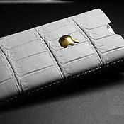 Сумки и аксессуары ручной работы. Ярмарка Мастеров - ручная работа чехол iphone 5 из крокодила. Handmade.