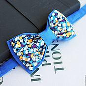 Аксессуары ручной работы. Ярмарка Мастеров - ручная работа Галстук-бабочка синяя с рисунком. Handmade.