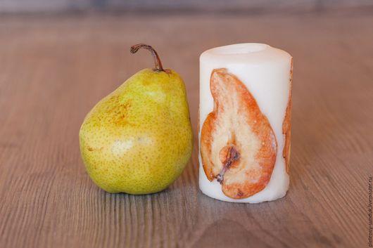 Свечи парафиновые, декорированные сухими фруктами. Цена от 200 руб./шт.