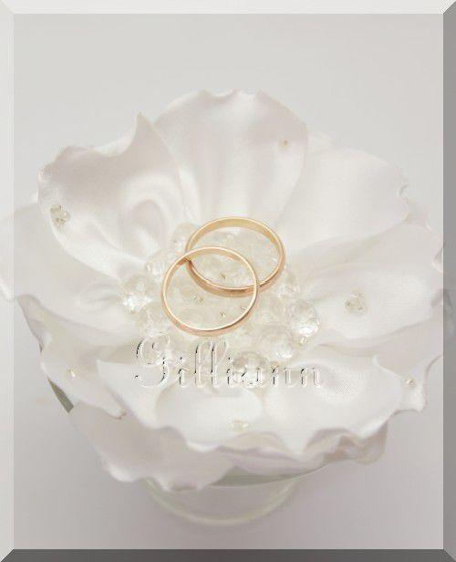 Свадебные аксессуары ручной работы. Ярмарка Мастеров - ручная работа. Купить Подушечка для колец «нежный цветок». Handmade. Белый