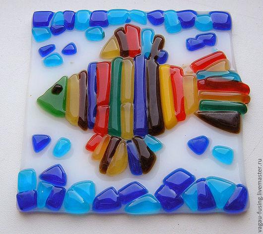 """Кухня ручной работы. Ярмарка Мастеров - ручная работа. Купить Фьюзинг.Подставка под горячее """"Рыбка"""". Handmade. море, стеклянный"""