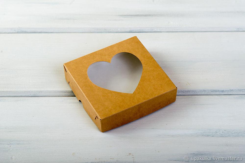 Коробка для пряников и печенья «Сердце», 12х12х3 см, с прозрачным окошком, крафт (Арт. 0102006) Размер: 12х12х3см Материал: целлюлозный картон