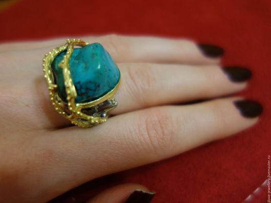 """Кольца ручной работы. Ярмарка Мастеров - ручная работа. Купить """"Zizico""""-необычный серебряный перстень с самородком бирюзы. Handmade. Бирюзовый"""