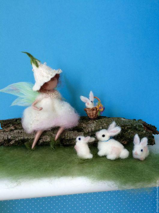 """Миниатюра ручной работы. Ярмарка Мастеров - ручная работа. Купить Валяние """"Кролики"""". Handmade. Белый, ручная работа handmade, куколка"""