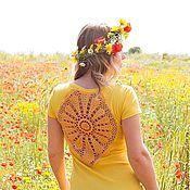 Одежда ручной работы. Ярмарка Мастеров - ручная работа Ярко-желтая футболка ажурной аппликацией на спине Размер L. Handmade.