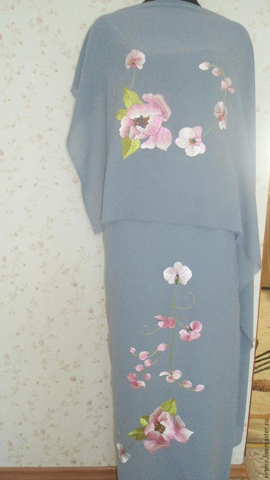 Платья ручной работы. Ярмарка Мастеров - ручная работа. Купить вышитая шелком заготовка на блузку и юбку. Handmade. Серый