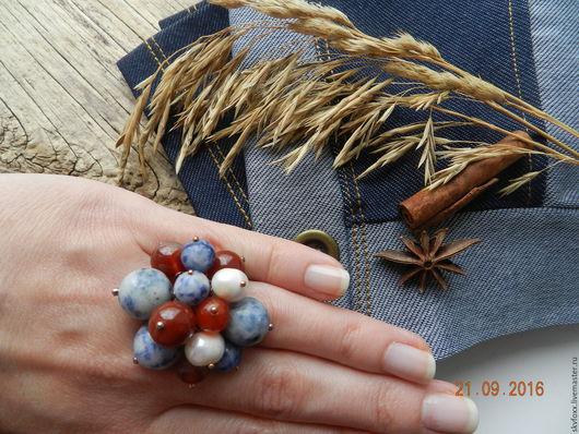 """Кольца ручной работы. Ярмарка Мастеров - ручная работа. Купить """"Jeans"""" кольцо с подвесками (содалит, жемчуг, сердолик). Handmade. Синий"""