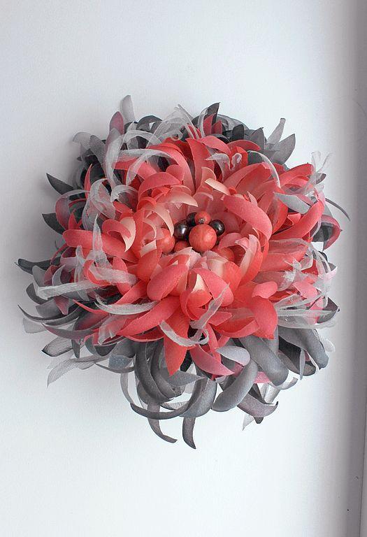 """Броши ручной работы. Ярмарка Мастеров - ручная работа. Купить ЦВЕТЫ ИЗ ТКАНИ. Шелковый цветок """"Coral dreams"""". Handmade."""