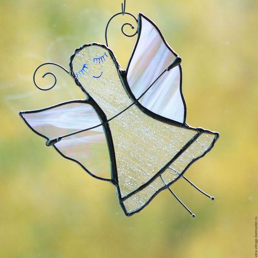 Элементы интерьера ручной работы. Ярмарка Мастеров - ручная работа. Купить Бабочка фея с радужно-белыми крыльями. Витраж подвес. Стекло, металл. Handmade.