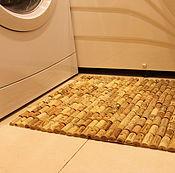 Для дома и интерьера ручной работы. Ярмарка Мастеров - ручная работа Декоративный коврик для ванной из винных пробок. Handmade.
