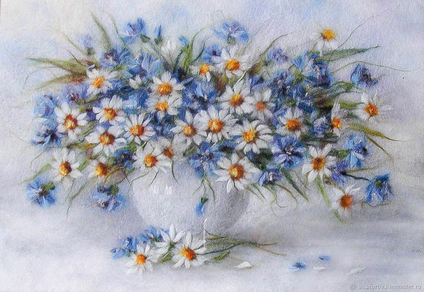 A painting of Chamomile and cornflowers in a white vase, Pictures, Engels,  Фото №1