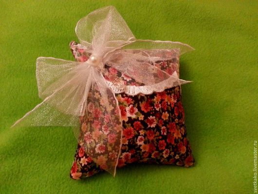 Персональные подарки ручной работы. Ярмарка Мастеров - ручная работа. Купить Саше ароматизированное. Handmade. Подарок, ароматическое саше, стразы