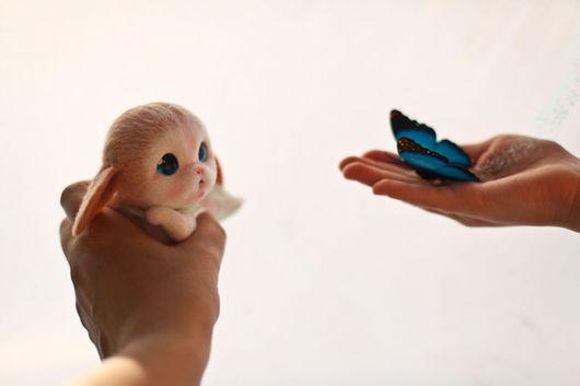 Игрушки животные, ручной работы. Ярмарка Мастеров - ручная работа. Купить Кролик. Handmade. Бежевый, кролик, Валяние, голубой, волшебство