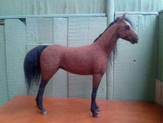 Игрушки животные, ручной работы. Ярмарка Мастеров - ручная работа. Купить Тёмно-гнедая лошадь.. Handmade. Конь, войлок, кони