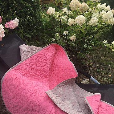 """Текстиль ручной работы. Ярмарка Мастеров - ручная работа Покрывало  в детскую, с подушками """" Цветущий сад """".. Handmade."""