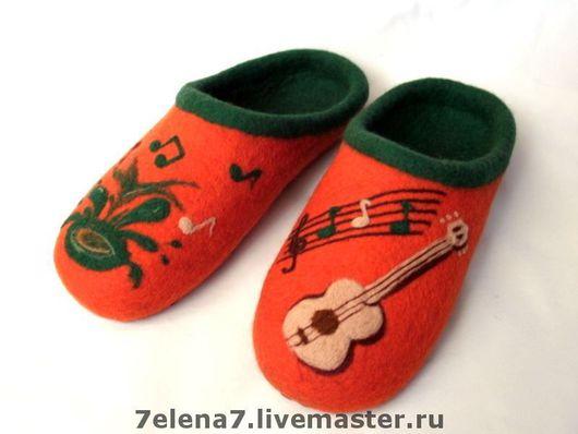 """Обувь ручной работы. Ярмарка Мастеров - ручная работа. Купить Тапочки """"Для творческой супружеской пары"""". Handmade. Домашние тапочки"""
