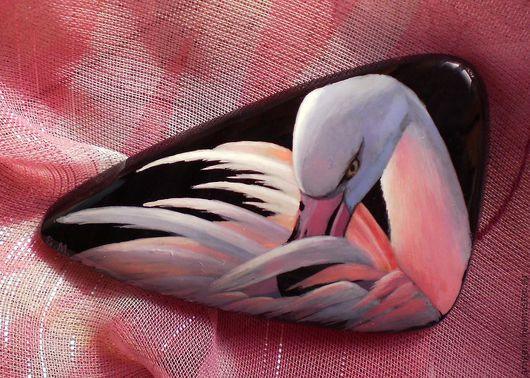 """Броши ручной работы. Ярмарка Мастеров - ручная работа. Купить Брошь """"Розовый фламинго"""". Handmade. Розовый, лаковая миниатюра, лак"""