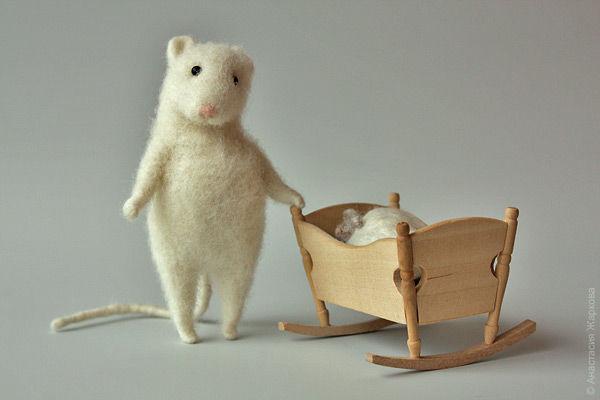 """Игрушки животные, ручной работы. Ярмарка Мастеров - ручная работа. Купить """"Мышкина семья"""". Handmade. Мышь, мышка, мама"""