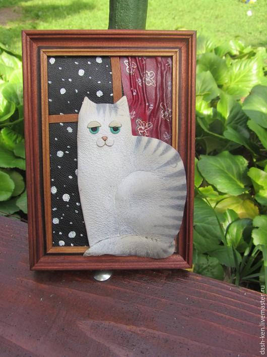 Животные ручной работы. Ярмарка Мастеров - ручная работа. Купить Зимний кот. Handmade. Чёрно-белый, Снег, картина из кожи