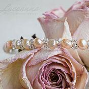 Свадебный салон ручной работы. Ярмарка Мастеров - ручная работа Свадебный ободок в причёску невесты с розовым и бежевым жемчугом. Handmade.