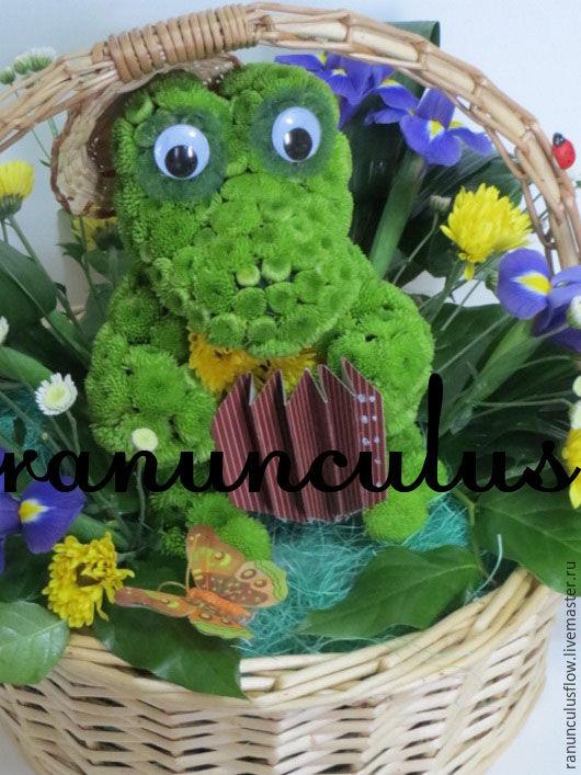 Букеты ручной работы. Ярмарка Мастеров - ручная работа. Купить Крокодил Гена из цветов. Handmade. Комбинированный, игрушки из цветов, хризантема