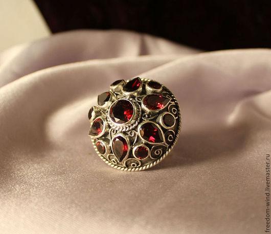 Кольца ручной работы. Ярмарка Мастеров - ручная работа. Купить Гранатовый перстень. Handmade. Бордовый, кольцо ручной работы