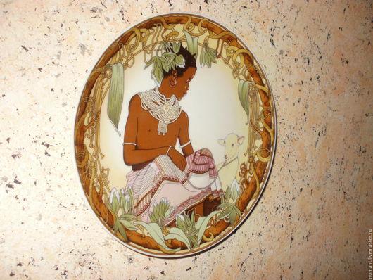 """Винтажные сувениры. Ярмарка Мастеров - ручная работа. Купить Две декоративные фарфоровые настенные тарелки из серии """"Дети мира"""". Handmade."""