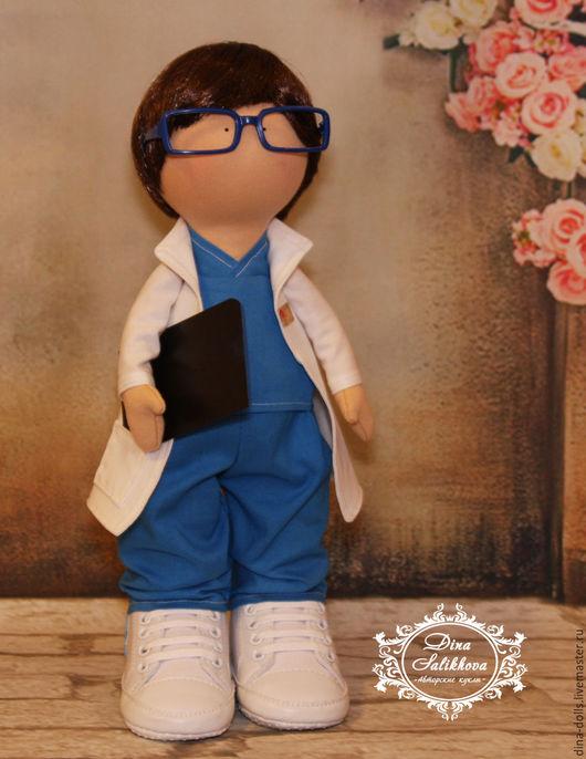 """Портретные куклы ручной работы. Ярмарка Мастеров - ручная работа. Купить Интерьерная кукла """"Доктор"""". Handmade. Белый, подарок врачу"""