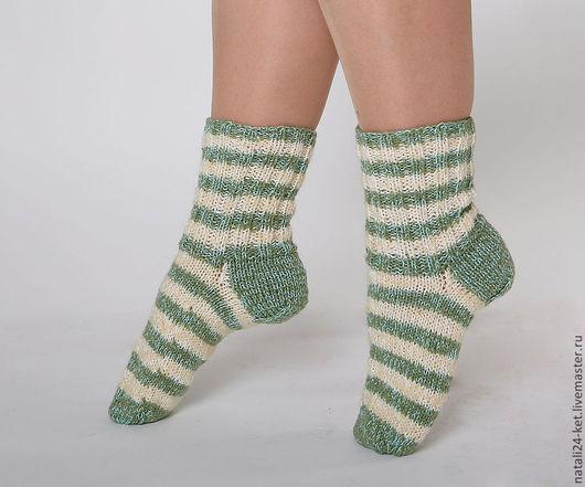 Носки, Чулки ручной работы. Ярмарка Мастеров - ручная работа. Купить носки вязаные. Handmade. Зеленый, теплый, осень, полосатый
