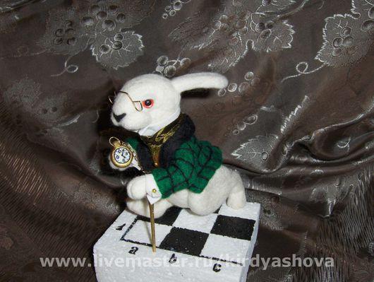Сказочные персонажи ручной работы. Ярмарка Мастеров - ручная работа. Купить Белый Кролик. Handmade. Заяц, эксклюзив, 100% меринос