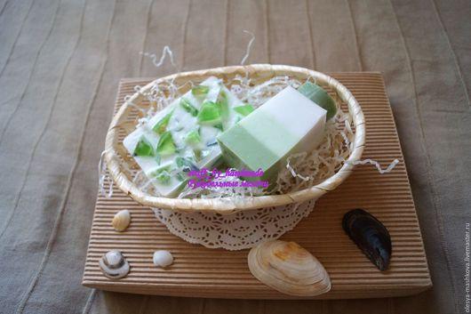 Подарочные наборы косметики ручной работы. Ярмарка Мастеров - ручная работа. Купить Набор мыла в корзинке в зеленых тонах. Handmade.