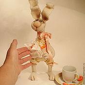 Куклы и игрушки ручной работы. Ярмарка Мастеров - ручная работа Зайка Сонечка, авторская игрушка из войлока.. Handmade.