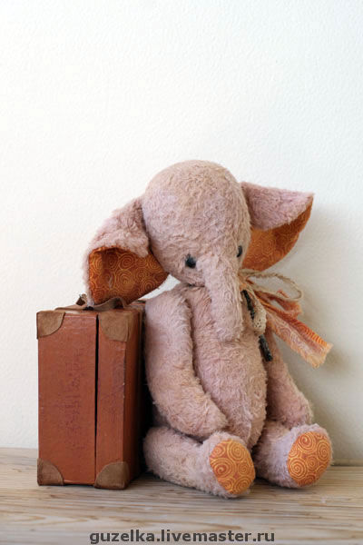 """Мишки Тедди ручной работы. Ярмарка Мастеров - ручная работа. Купить Слоник """"Никки"""". Handmade. Слоник тедди, чемоданчик"""
