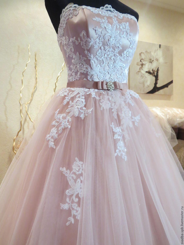 Свадебное платье из цветов розы