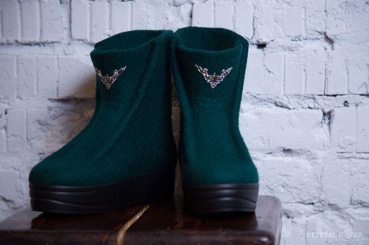 Обувь ручной работы. Ярмарка Мастеров - ручная работа. Купить Валяные ботинки Изумруд. Handmade. Валяная обувь, валяные сапожки