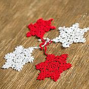 Подарки к праздникам ручной работы. Ярмарка Мастеров - ручная работа Елочные украшения - снежинки. Handmade.